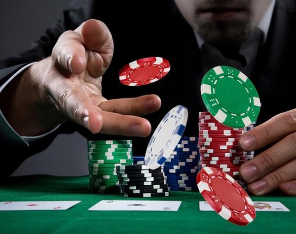 Permainan Poker Online Sangat Mudah Dimainkan Oleh Pemula